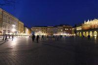 krakow-at-night-06