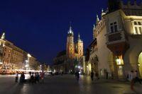 krakow-at-night-13