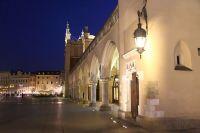 krakow-at-night-17