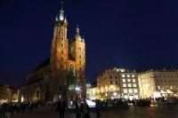 krakow-at-night-18