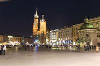 krakow-at-night-23