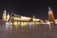 krakow-at-night-25