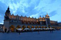 krakow-at-night-30