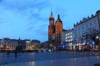 krakow-at-night-31