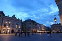 krakow-at-night-34