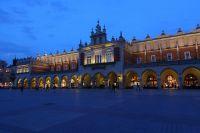 krakow-at-night-38