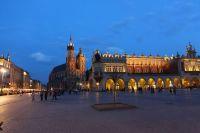 krakow-at-night-39