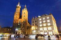 krakow-at-night-46